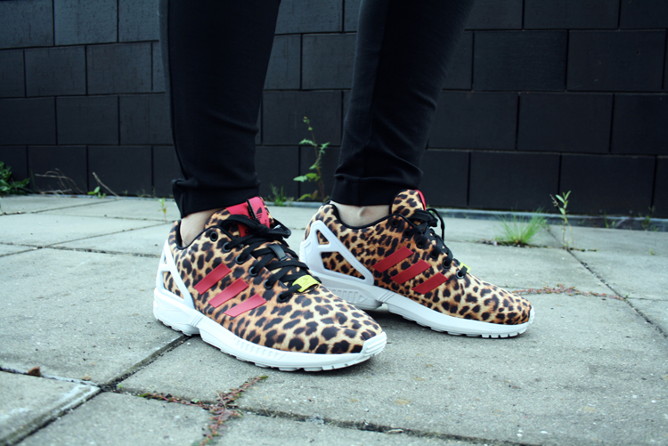 Adidas flux leopard running shoes