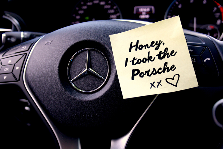 Porsche Mercedes note post-it