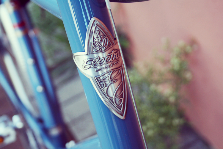 Electra Ticino 8D bicycle in denim blue
