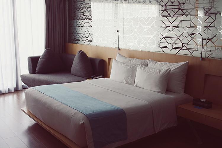 Ize Hotel seminyak fashion blogger bali