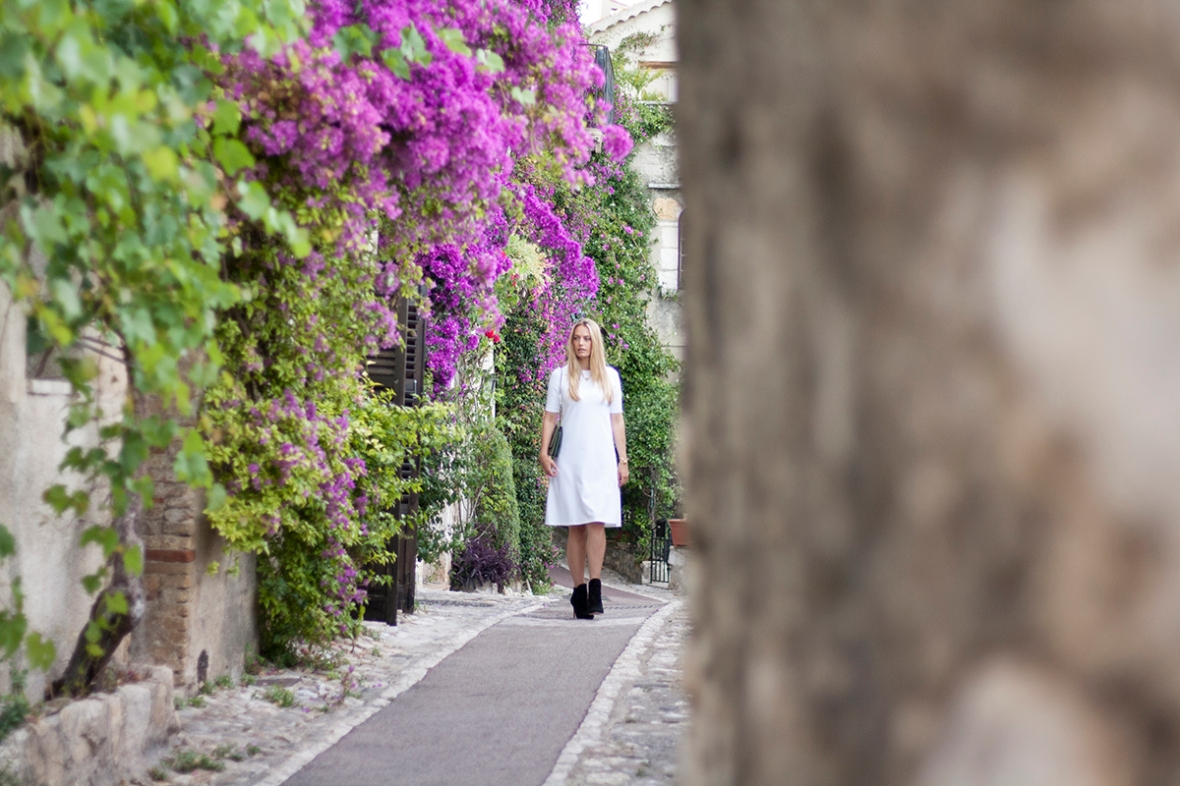 Fashion blogger Marie Hello white dress