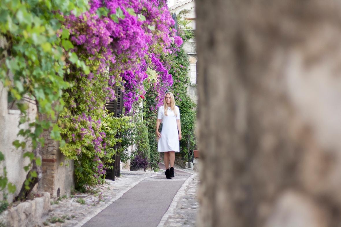 Fashion blogger Marie Hello white dress