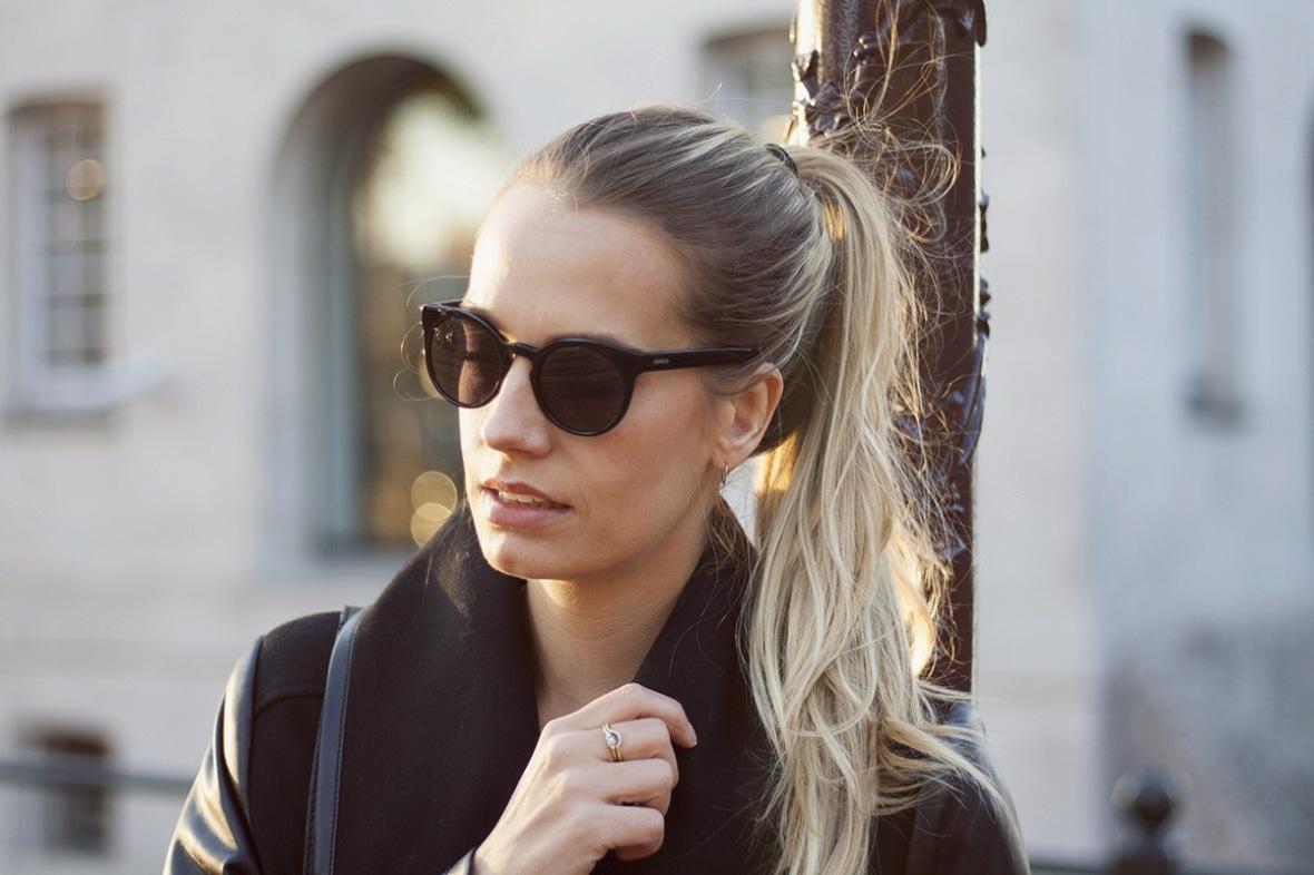 Fashion blogger Dawn levy coat vegan leather4