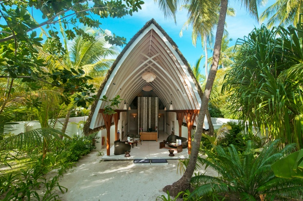 Kandolhu Island Spa review Maldives Blogger