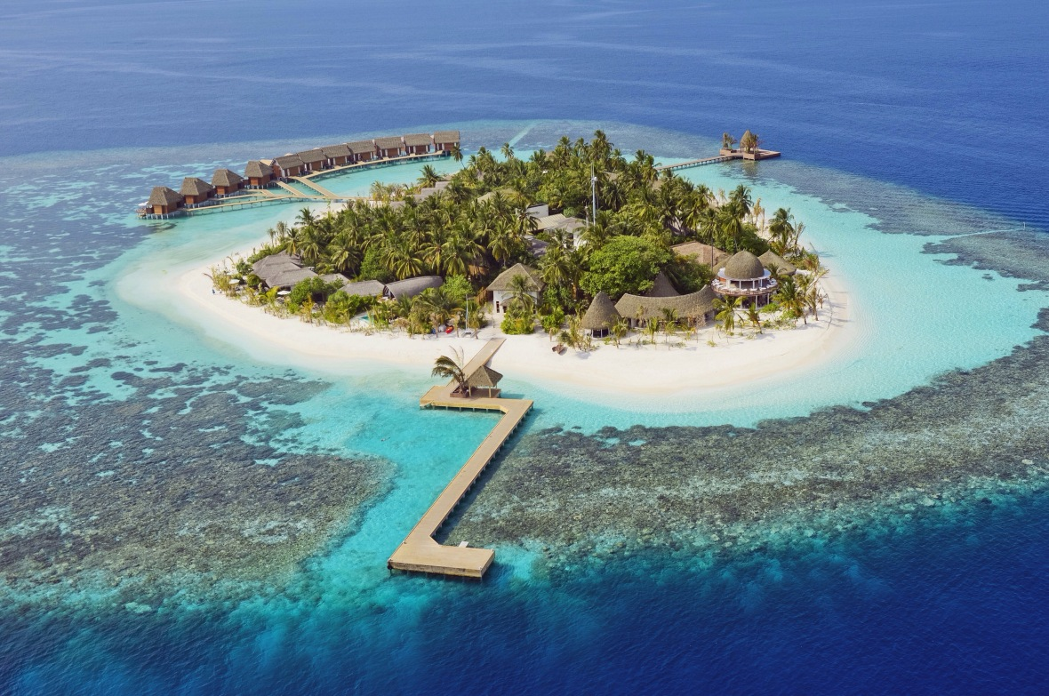 Fashion blogger Maldives Kandolhu Island review