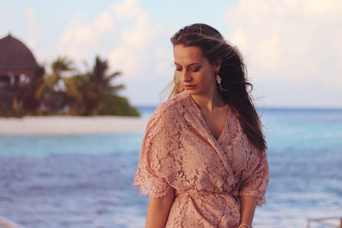 Fashion blogger Maldives Kandolhu Island
