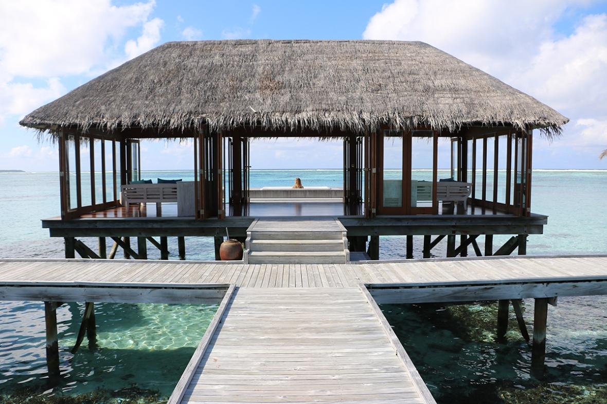 Spa review Fashion blogger Conrad Rangali Maldives