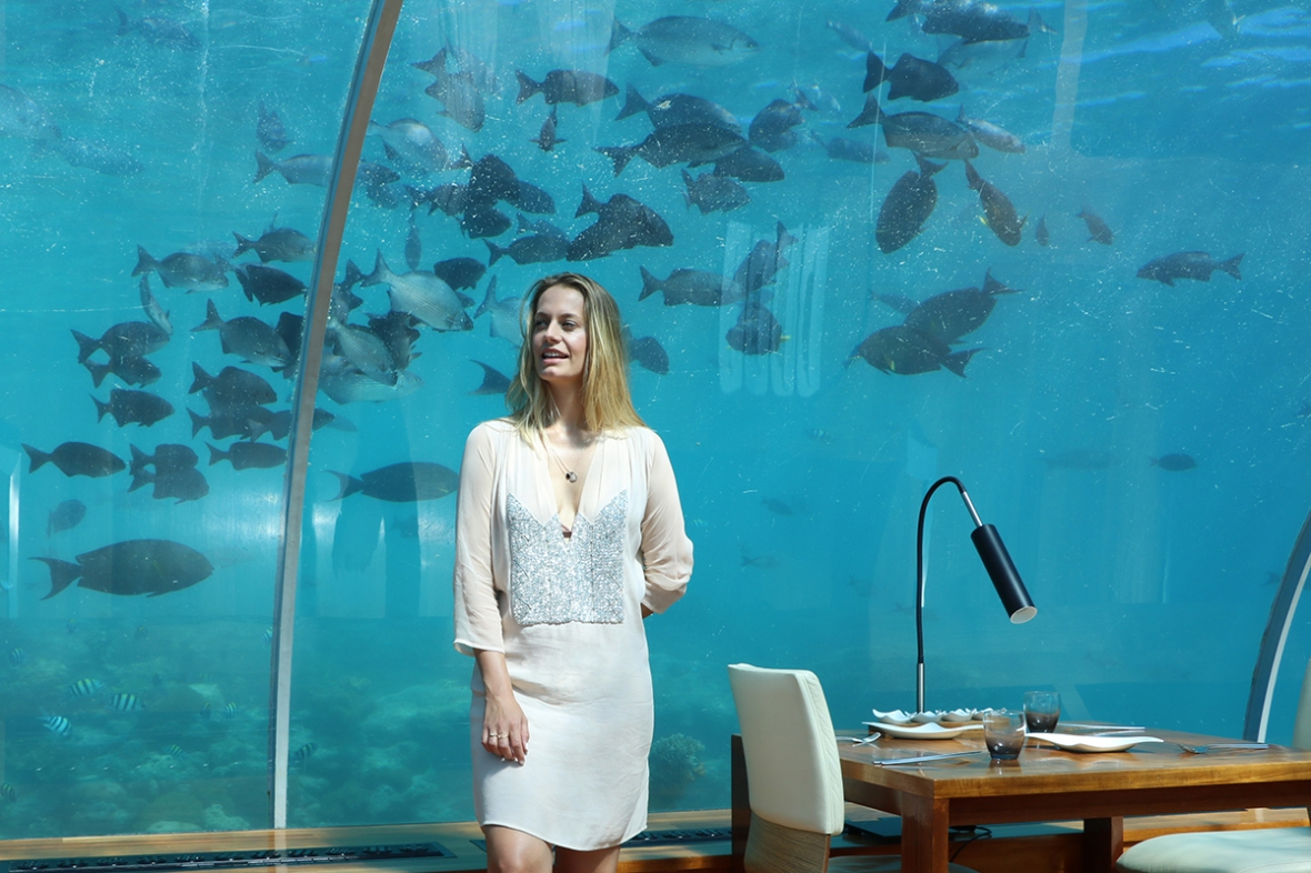 Fashion blogger Ithaa COnrad Rangali Maldives Under water restaurant