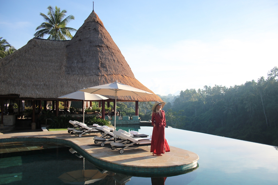 Fashion blogger photoshoot outfit SWF Boutique geoflora Jewelry Viceroy hotel Bali Ubud