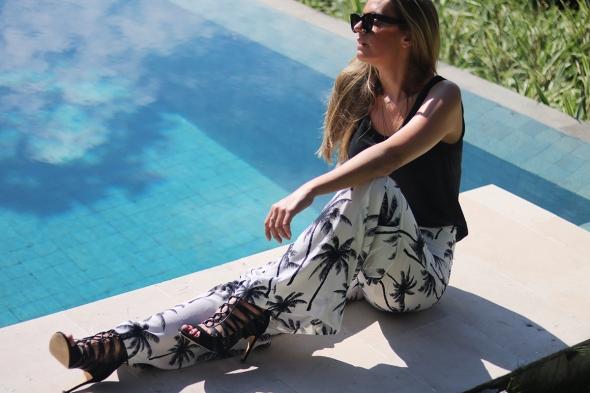 Review the Samata lifestyleretreats fashion blogger