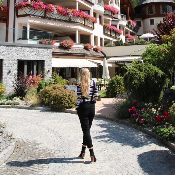 Blogger Hotel review Das Central Austria Flowers