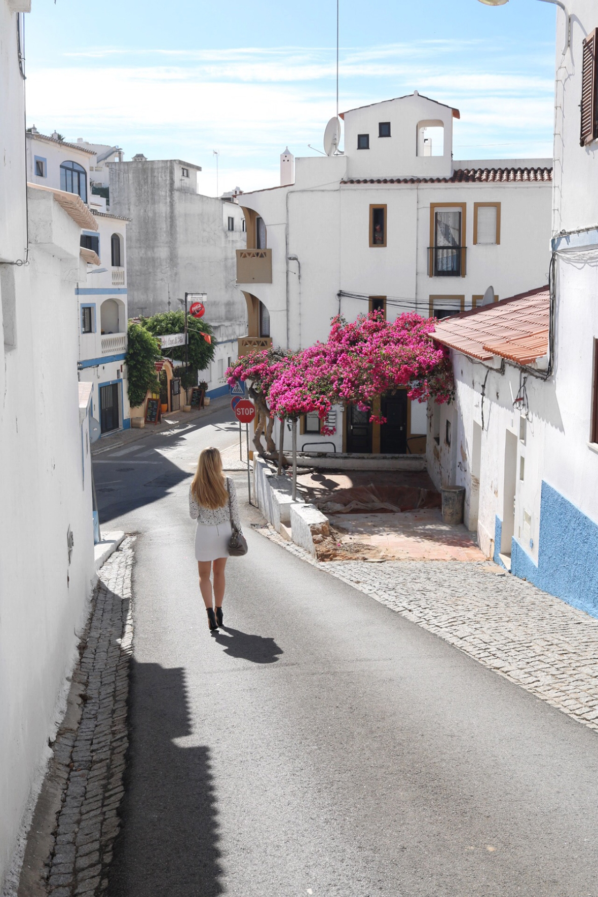 Pink Flowers Algarve Outfit Blogger