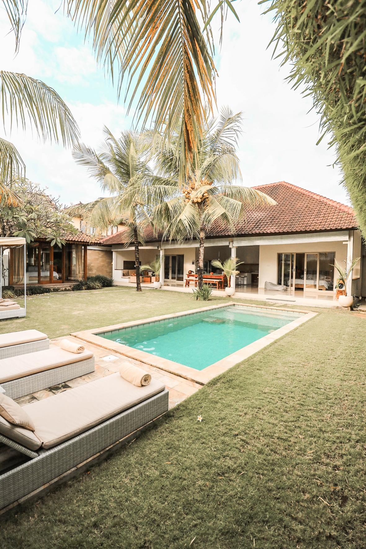 Sahana Villas Review travelblogger Merel Bali Seminyak