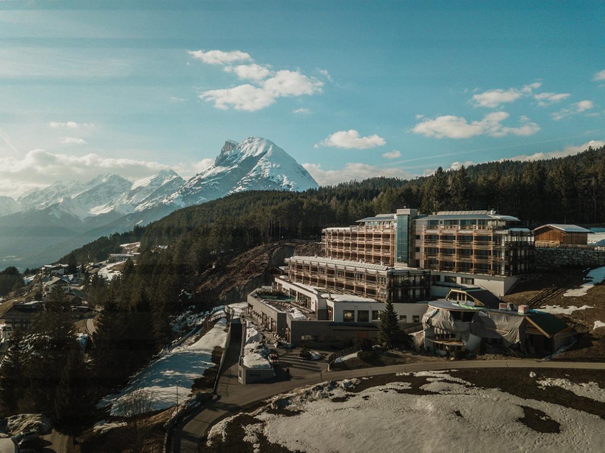 Merel van Poorten Blogger Review Nidum Hotel Austria Drone