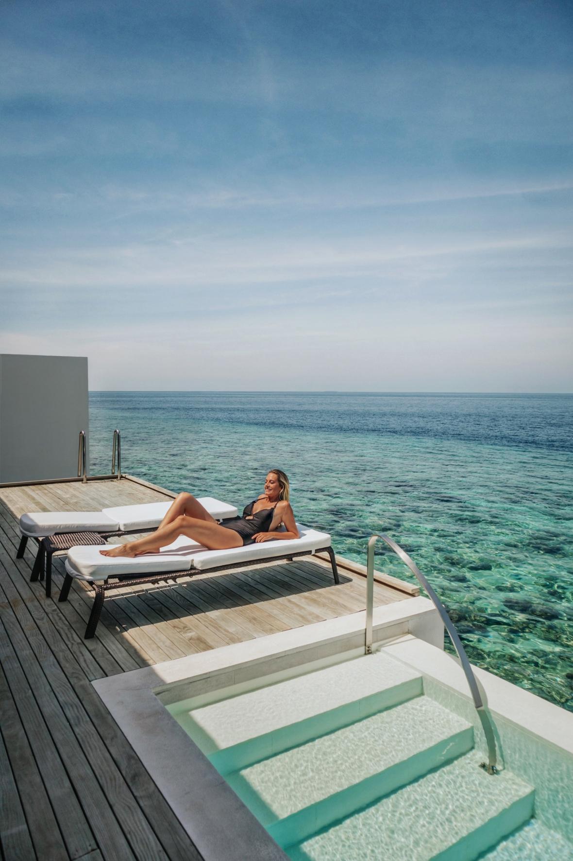 Westin Maldives Roomtour Overwater Villa Merel van Poorten